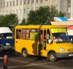 Проїзд в ужгородських маршрутках вже з суботи буде по 5 гривень (ВІДЕО)