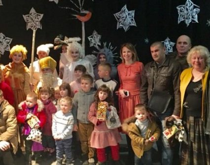 В Ужгородському коледжі культури та мистецтв вітали дітей атовців зі святом Миколая (фото)