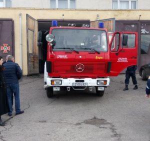 Берегівські «надзвичайники» отримали новорічний подарунок – спецавтомобіль «Мерседес»