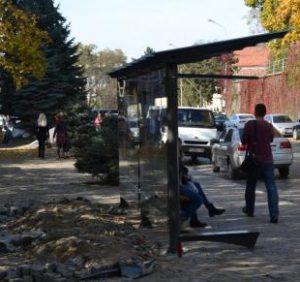 Автозупинки в Ужгороді продають за підозрілими схемами