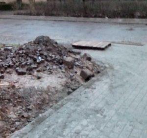 Чергове нищення бруківки в історичній частині Ужгорода (фото)