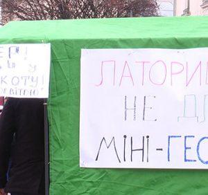 Обурені активісти – на прийом до Мукачівського міського голови (ВІДЕО)