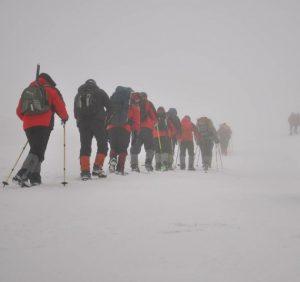 Рятувальники знайшли вісім туристів-лижників, які забукали в районі гори Драгобрат