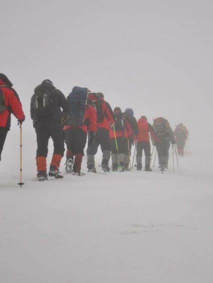 Трьох заблукалих лижників відшукали гірські рятувальники на Рахівщині