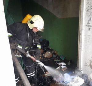 В Ужгороді рятувальники ліквідували пожежу в 16-поверхівці