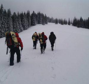 Закарпатські рятувальники відшукали шістьох заблукалих у горах туристів