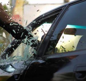 Банда автомобильных потрошителей орудует в Ужгороде (ВИДЕО)