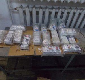 Контрабандні цигарки виявили у паливному баку прикордонники на Закарпатті