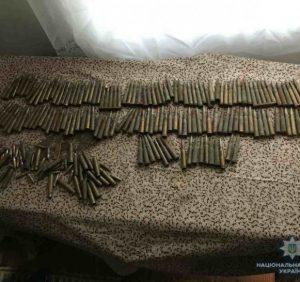На Великоберезнянщині поліцейські вилучили велику кількість набоїв