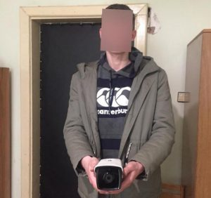 Берегівські поліцейські спіймали крадіїв відеокамери міськради