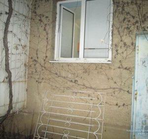 Ужгородські поліцейські затримали крадіїв на місці злочину