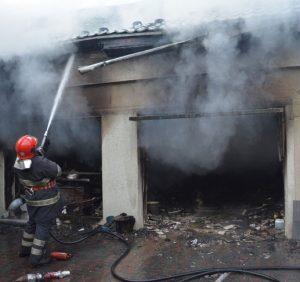 Вогнеборці ліквідували пожежу поблизу Закарпатської ОДА (ФОТО)