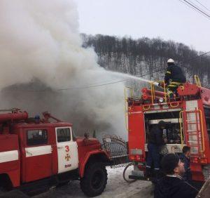 Рахівські вогнеборці ліквідували пожежу в житловому будинку
