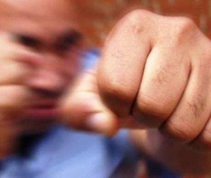 На Закарпатті юнаку розбили голову. Поліція затримала нападника