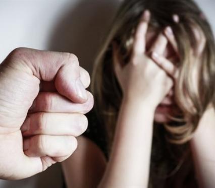 В Ужгороді дівчину зґвалтували і вибили їй око. Негідник досі на волі (ДОКУМЕНТ)