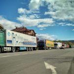 Черга з вантажівок на українсько-угорському кордоні сягає 10 кілометрів (відео)