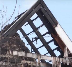 Ужгородців просять допомогти родині, яка постраждала від пожежі