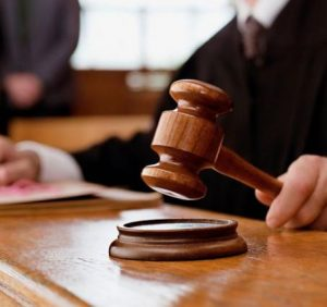 """На Закарпатті Суд визнав протиправними дії """"столичного"""" приватного виконавця щодо боржника"""