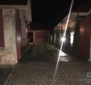 Невідомі влаштували вибух під будинком закарпатця. Без жертв
