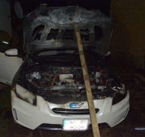 Поліцейські встановлюють обставини загорання «Toyota Rav» берегівця
