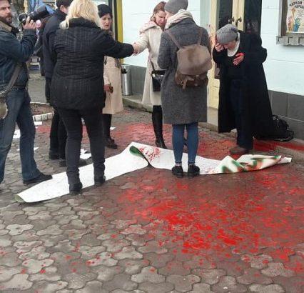 Наслідки мирної акції в Ужгороді – шість заяв до поліції (ВІДЕО)