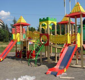 На Закарпатті прокуратура подбала про безпеку дитячих майданчиків
