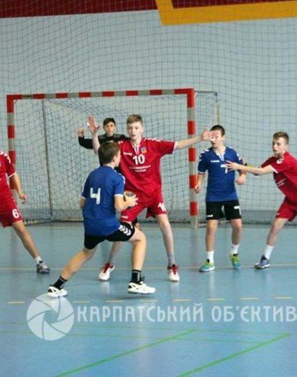 Юні ужгородці вибороли срібні нагороди з гандболу (ФОТО)