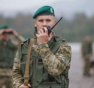 Прикордонники України та Словаччини завадили нелегалові пробратися у Європу