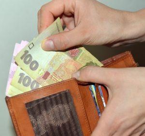 9% зарплати – стільки коштує українцю один похід в магазин