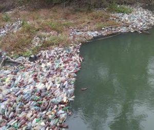 Сплав по Тисі, як по коридору зі сміття (ВІДЕО)