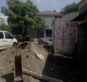Черговий фігурант кримінальної справи СБУ ремонтує ужгородські дороги
