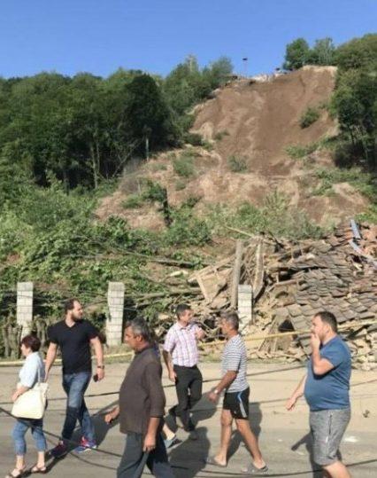 На Мукачівщині стався зсув ґрунту. Зруйновано житлові будинки