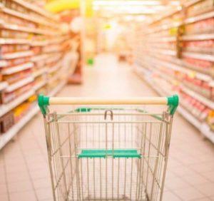 Мукачівці не мають можливості купити якісні продукти за доступними цінами