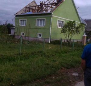Буревій на Закарпатті – пошкоджений дитячий табір, знесені дахи, відсутність електроенергії та зв'язку (ФОТО)