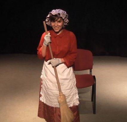 """Студенти Ужгородського коледжу культури та мистецтв вразили осучасненою виставою """"Попелюшка"""" (відео)"""