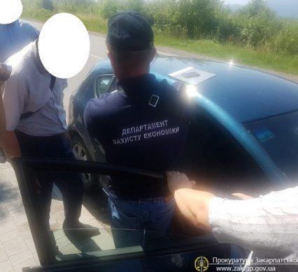 На Закарпатті чиновника Управління держпраці затримали при одержанні хабара