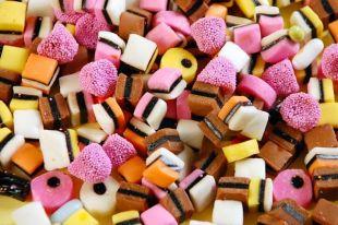 Польза конфет из лакрицы