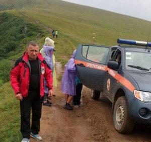 Закарпатські рятувальники допомогли киянину, якому стало зле в Карпатах