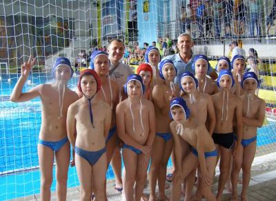 Юні ватерполісти з Ужгороду змагаються на міжнародному турнірі в Угорщині