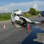 Смертельна ДТП під Мукачевом: мікроавтобус влетів під вантажівку (фото)