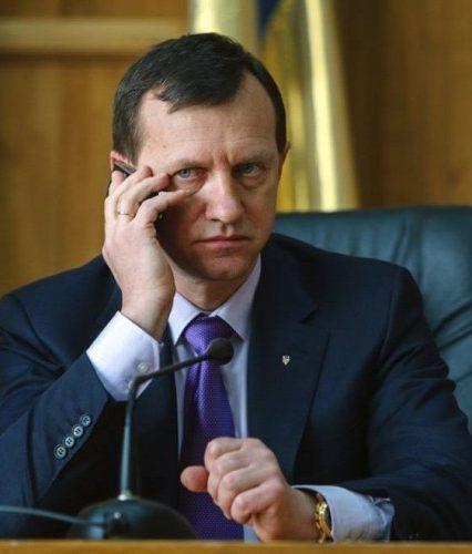 Кримінально-політичне об'єднання: Мер Ужгорода йде в партію Кернеса-Труханова