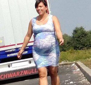 Донька угорського прем'єра викинула підгузки на узбіччя дороги (ФОТО)