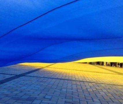 До Дня Незалежності береги Ужа об'єднають через Пішохідний міст 100-метровим Державним прапором