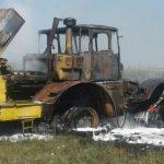 У Мукачівському районі в полі загорівся трактор (фото)