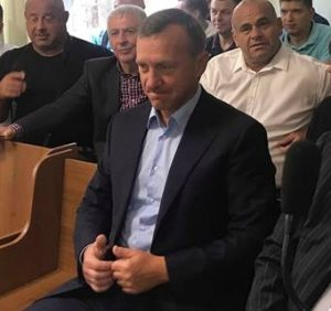 Поки що міський голова Ужгорода Андріїв разом з поплічниками захоплюють землі ботсаду УжНУ (відео)