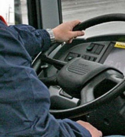 Низькі зарплати та автобуси-розвалюхи: в Ужгороді бракує водіїв маршруток (ВІДЕО)