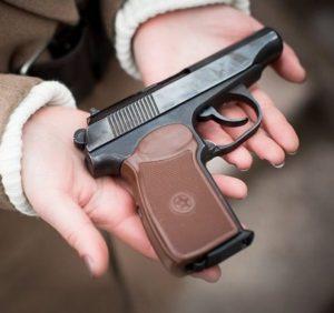Понад 30 закарпатців уникли кримінальної відповідальності, здавши незареєстровану зброю