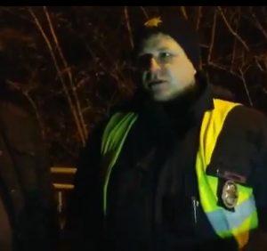 Поліція та євровласники затримали на заблокованому митному терміналі в Ужгороді неадкватного водія (відео)