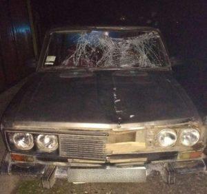 У темряві закарпатець на «ВАЗ» збив велосипедиста: потерпілий в лікарні