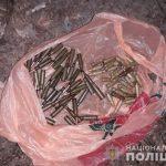Поліцейські Ужгорода та Мукачева затримали торговців боєприпасами